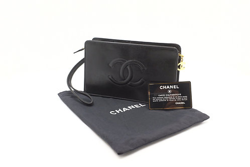 Chanel Clutch in Black Leather