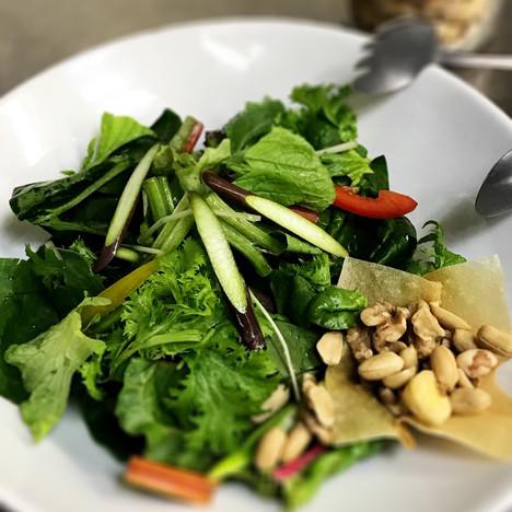 彩り野菜とナッツ