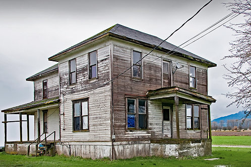 Forgotten Home in Conway