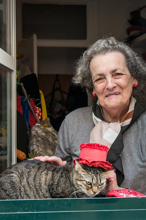 Cat Woman of Lisbon
