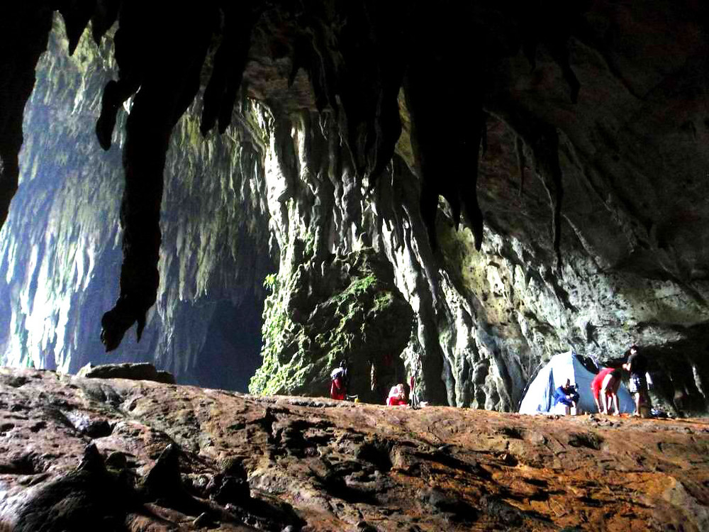 A base camp inside the Langun-Gobingob Caves in Calbiga, Samar. (Photo courtesy of Joni Bonifacio)