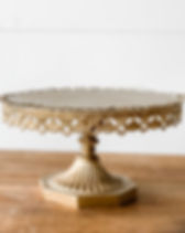 gold-antique-cake-stand-rental.jpg