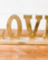 gold-love-sign-utah-wedding-rental.jpg