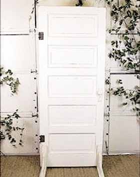 White-door-wedding-backdrop-1_edited.jpg