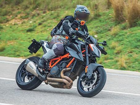 Spyshots: KTM 1290 Super Duke RR adds carbon to cut the kilos