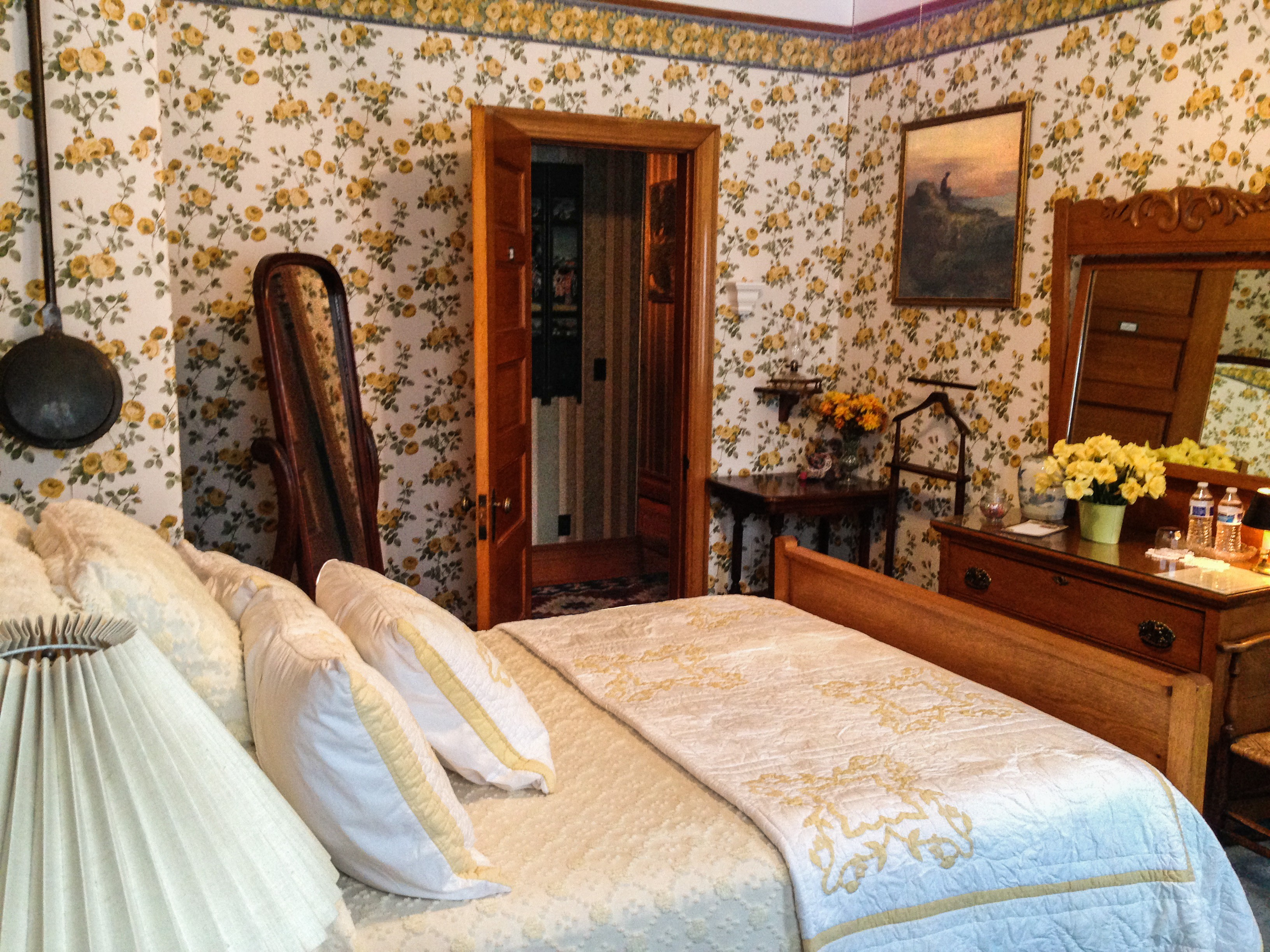 The Charm of the Yellow Room