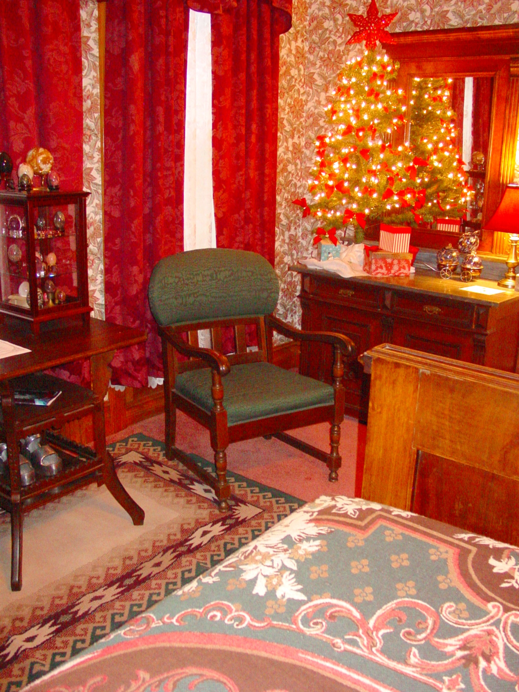 Plum Room Corner in Christmas Decor