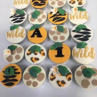 Wildlife cupcakes.jpg