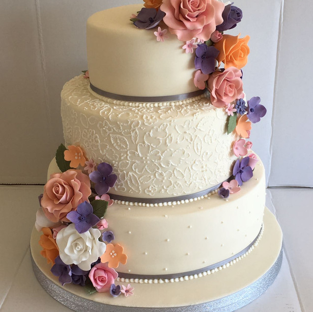 CAKE FLAVOURS & ICING