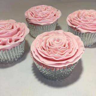 pink frill cupcakes.jpg