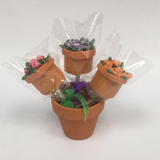 flower pot cake pops.jpg
