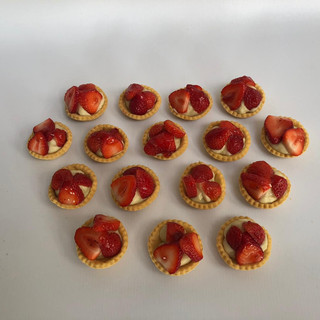 Strawberry%20tarts_edited.jpg