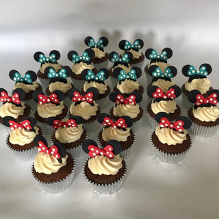 Minnie Mouse cup cakes.jpg