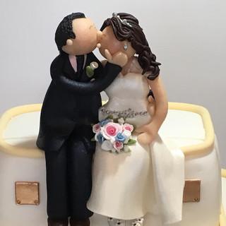 Travel bride & groom
