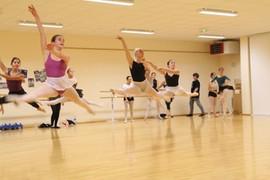 Grand saut danseuses classiques - Cours avancés