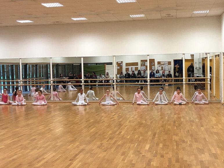 Cours de Danse classique à Nantes (44), Cours de Danse Modern Jazz à Nantes (44). Ecole de danse Les Corps Dansants cours de danse à Nantes (44), danse classique et Modern-jazz de 4 à 70 ans .