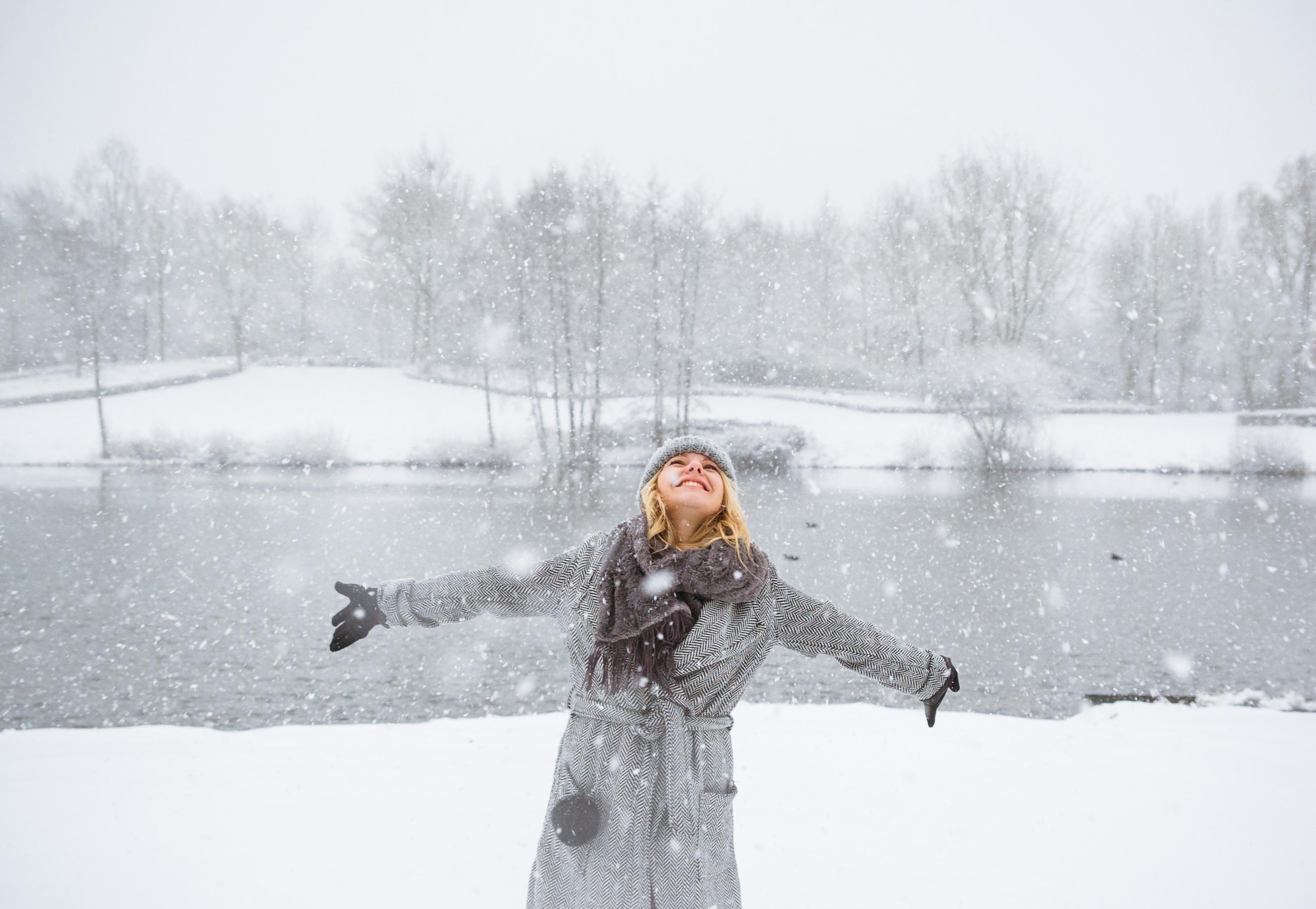 Schnee, Mädchen
