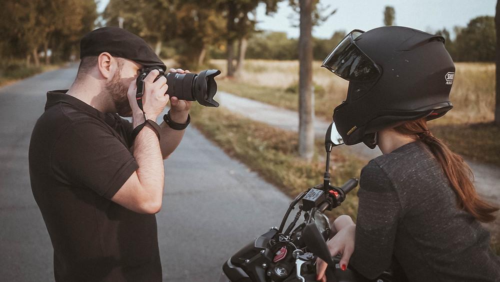 Motorrad Yamaha Shooting Berlin Fotografie Videografie Filmen Film Model sexy Making of