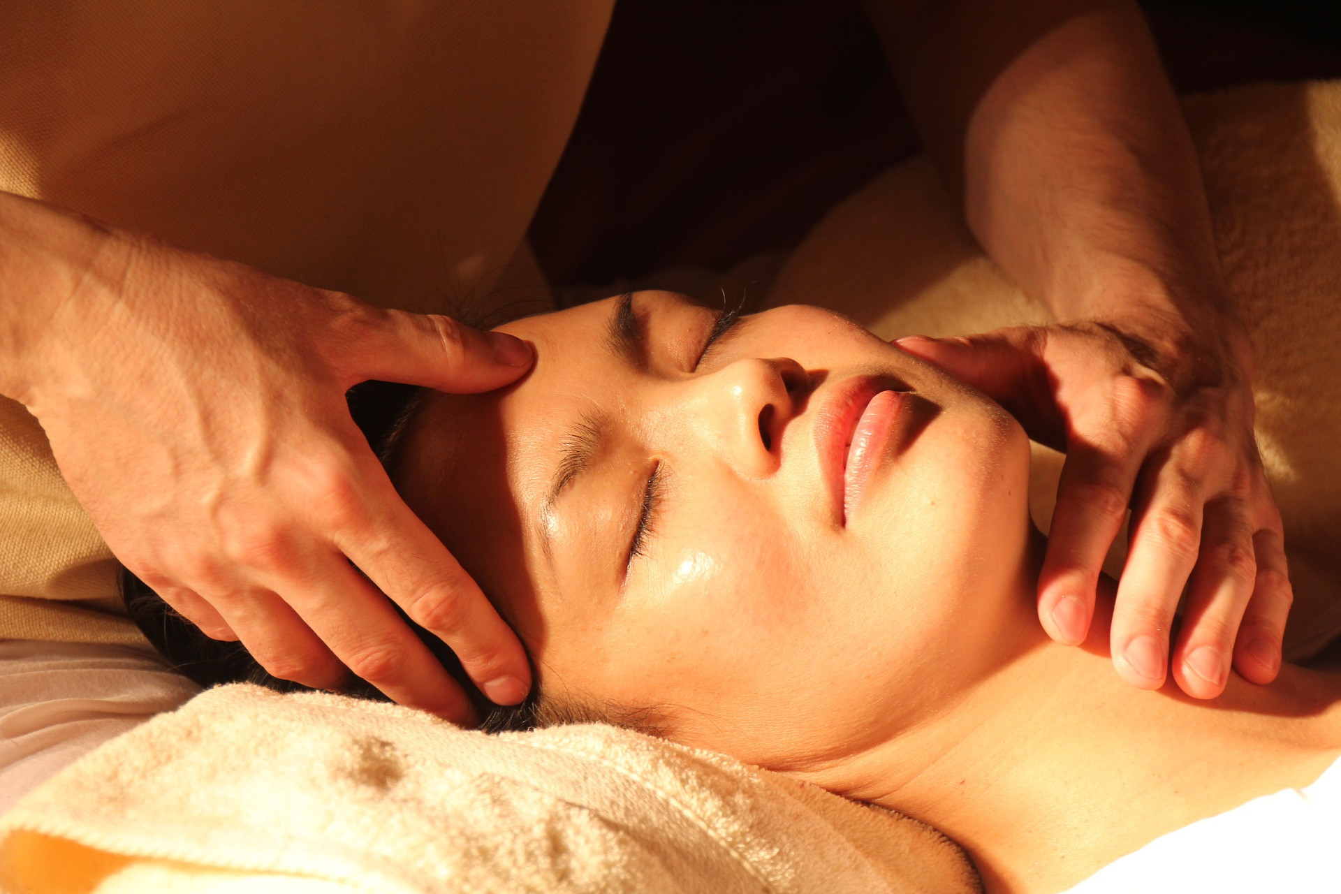 Comforting Touch Couples Massage Class