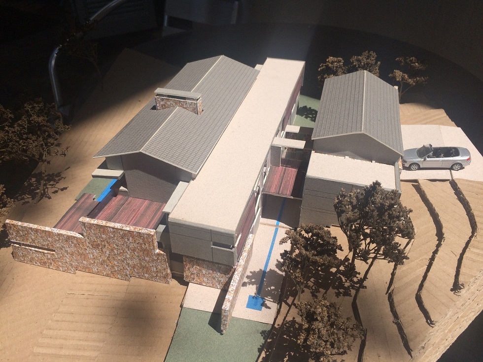 Model seen from west (garages right)