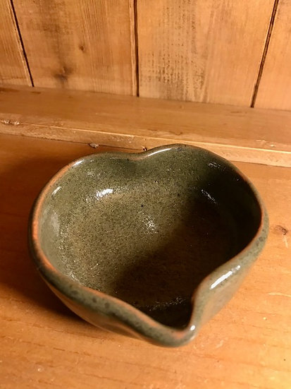 Mudlarks Pottery - Pouring Bowl