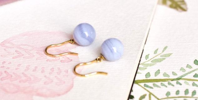 Boucles d'oreilles Cyanée - Calcédoine bleue ronde