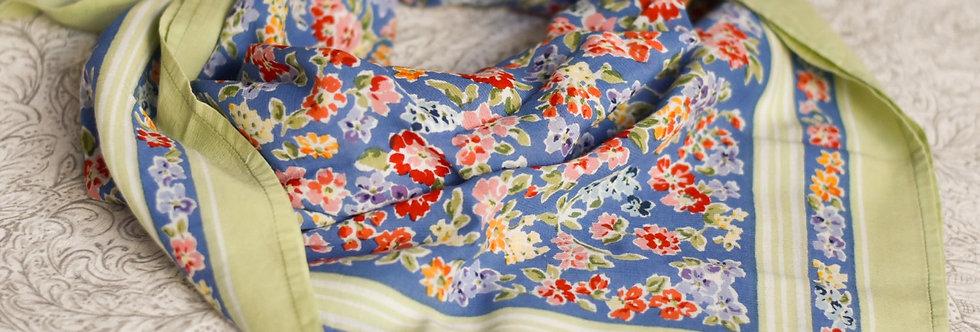 Foulard fleuri en coton vintage