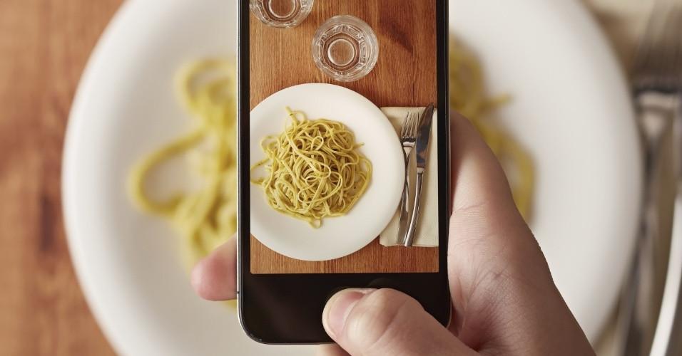 tirando foto de comida.jpg