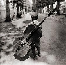 alumno de cello