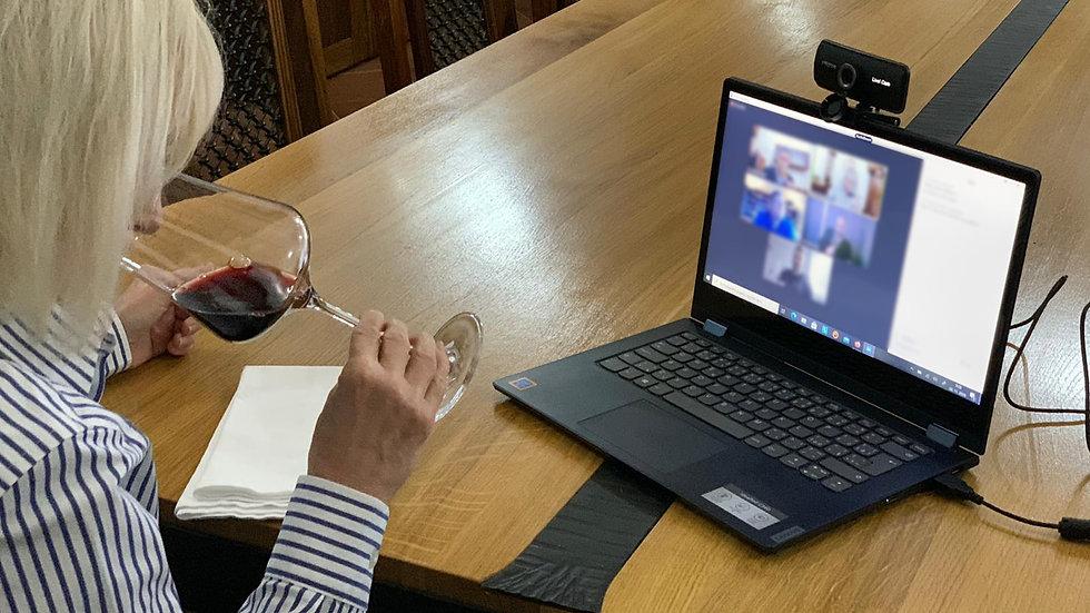 Kalich vína s prezidentkou