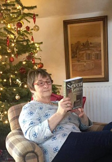 Reading The Seven Letters at Christmas_e