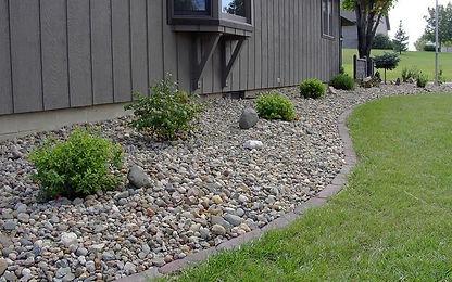 landscape-rock-planter-bed2.jpg