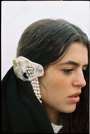 THE PEARLY HAIR CLIP