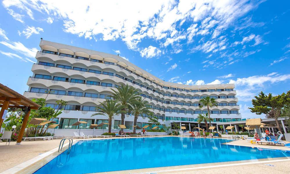 crystal-springs-beach-hotel.jpg