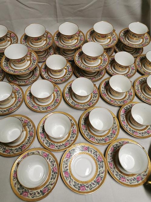 35 tasses et sous tasses