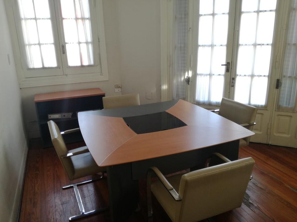 sala de reuniones 1.jpg