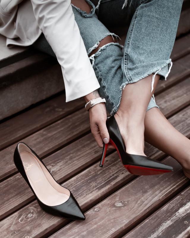 Personal Branding Photography, Personal Branding Photographer, Louboutin, Christian Louboutin, Red bottom heels, stylist, trendy, luxury, glam, glam girl, photo inspiration