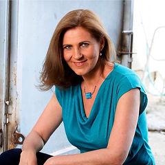Lara Temple Author Photo