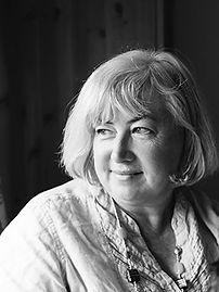 Georgia Hill Author Photo