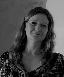 Emma Miles Author Photo