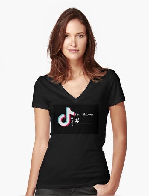 .עיצוב דיגיטלי. כיתוב על החולצה