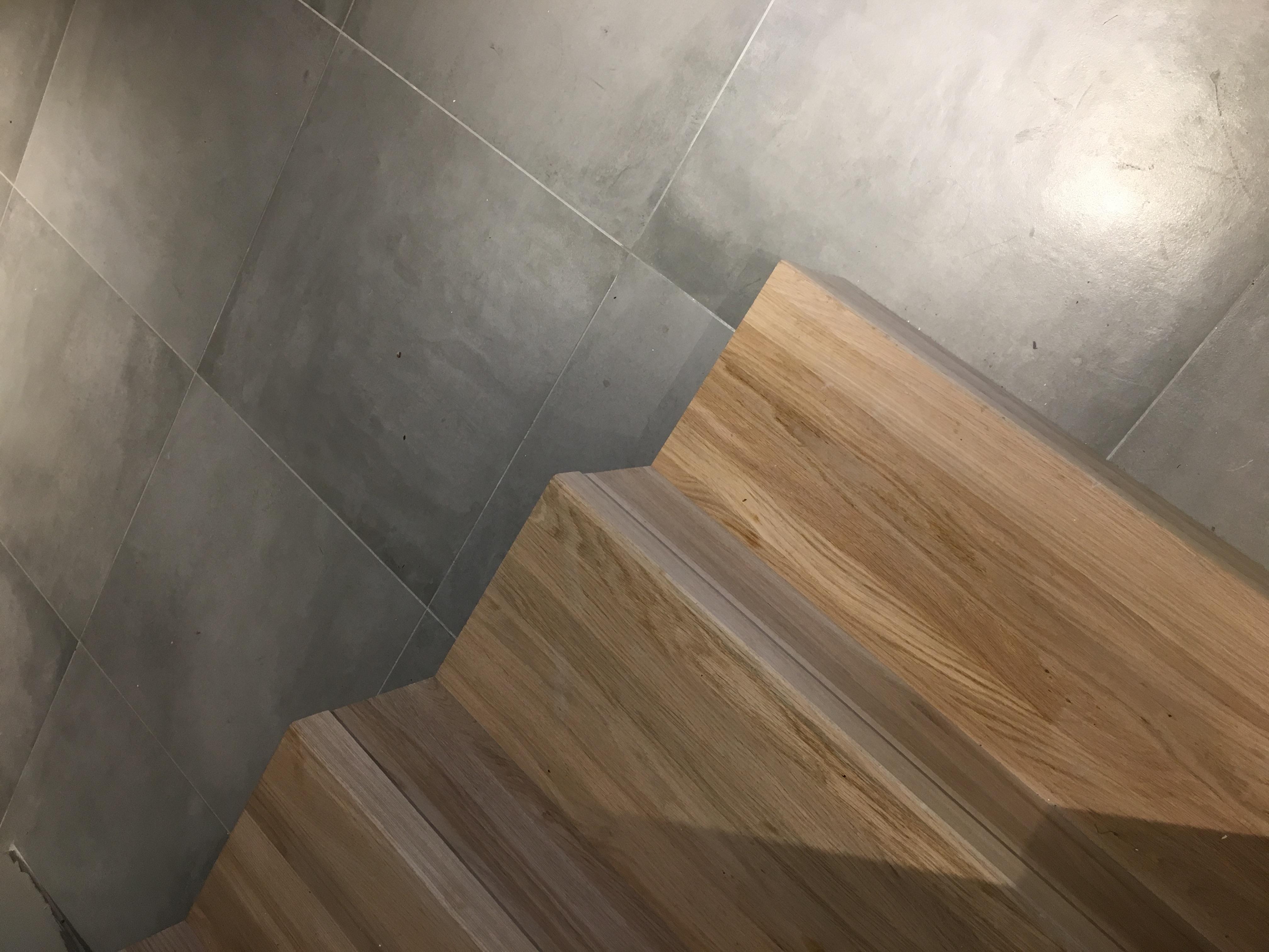 carrelage et escalier
