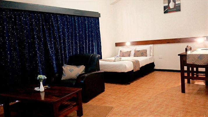 McRoyal Hotel Mt Hagen Papua New Guinea book room