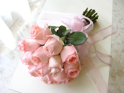 Classic Hand-tied Rose Bouquet