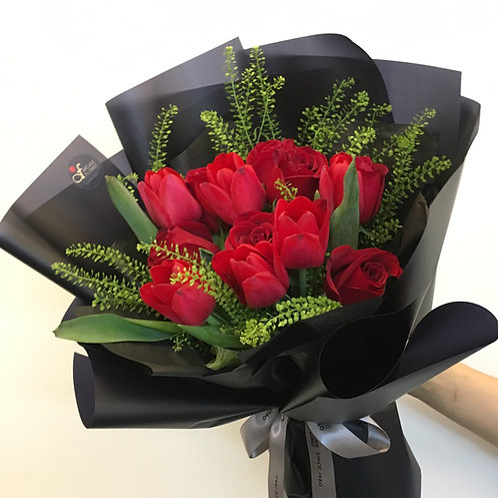Grand Tulip & Rose Bouquet
