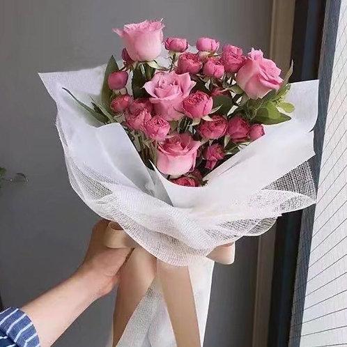 Madame Rose Bouquet - White