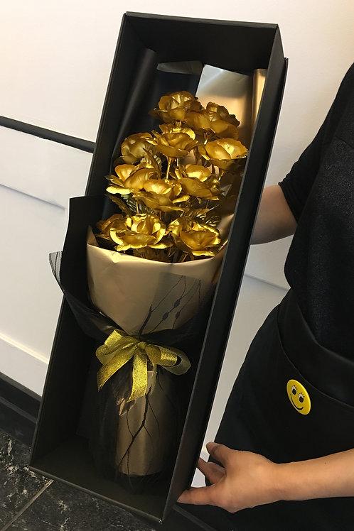 11 Gold Rose Bouquet