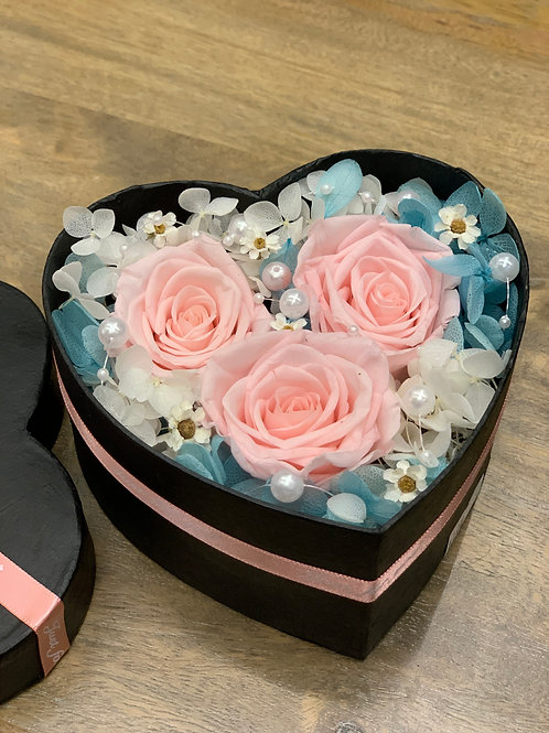 Sweetheart Rose Box (Petite)