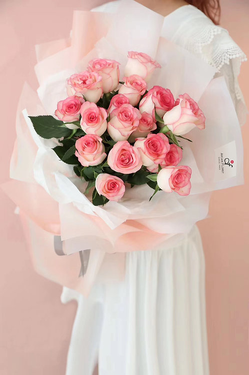 18 Love Bouquet II ( regular rose)