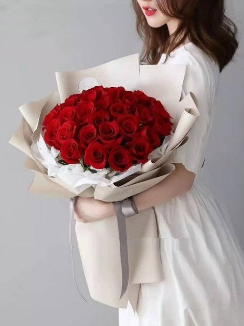 33 Love Bouquet (premium Kenyan rose)